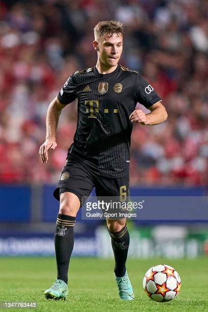 Joshua Kimmich of Bayern München in action during the UEFA Champions League group E match between SL Benfica and Bayern München at Estadio da Luz on...