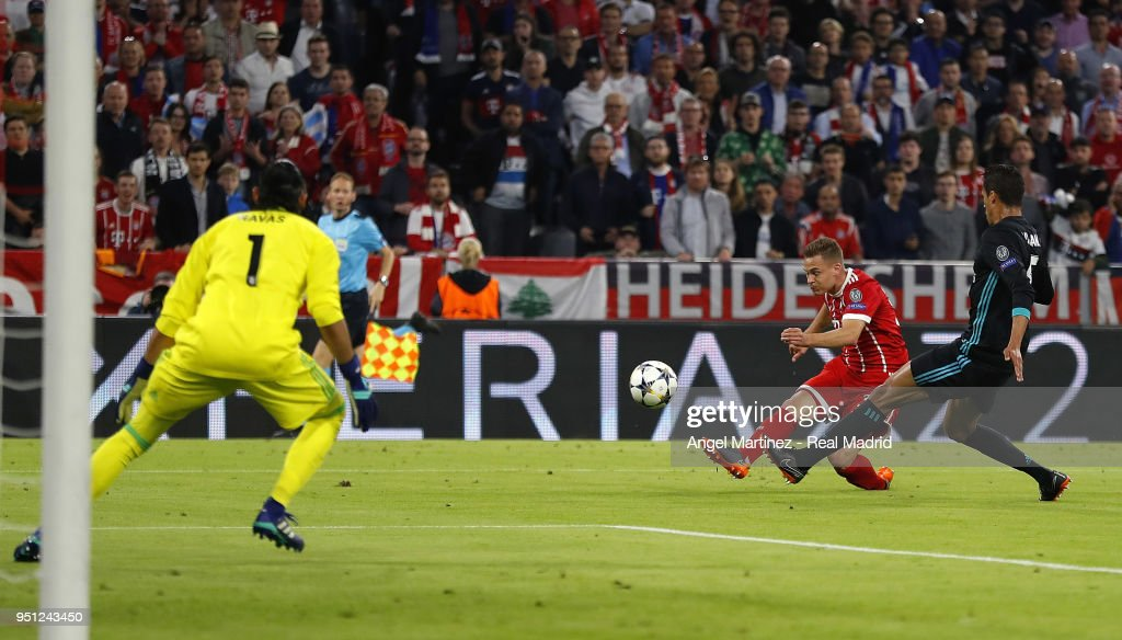 Bayern Muenchen v Real Madrid - UEFA Champions League Semi Final Leg One : News Photo