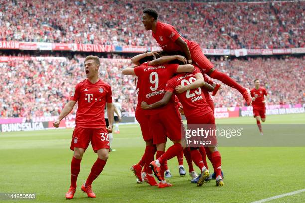 Joshua Kimmich of FC Bayern Muenchen Robert Lewandowski of FC Bayern Muenchen Kingsley Coman of FC Bayern Muenchen und David Alaba of FC Bayern...