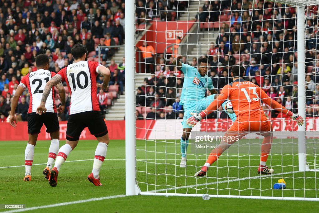 Joshua King of AFC Bournemouth scores his sides first goal during the Premier League match between Southampton and AFC Bournemouth at St Mary's Stadium on April 28, 2018 in Southampton, England.