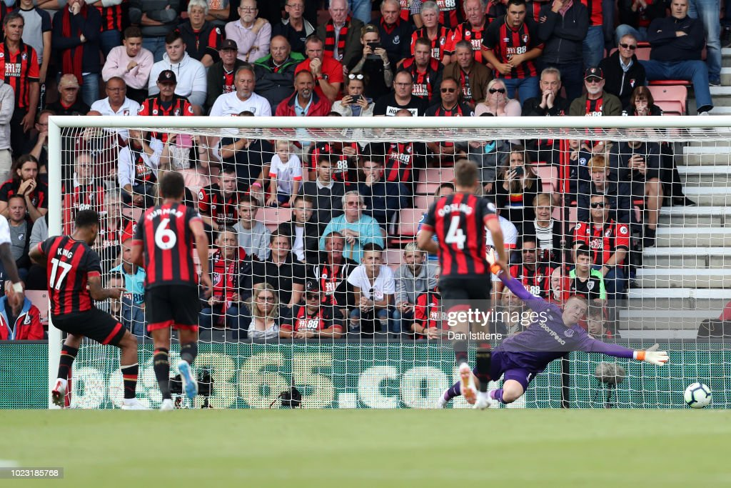 Joshua King of AFC Bournemouth scores his team's first goal from a penalty during the Premier League match between AFC Bournemouth and Everton FC at Vitality Stadium on August 25, 2018 in Bournemouth, United Kingdom.