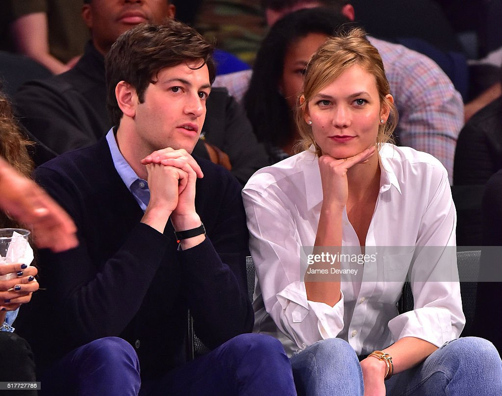 Celebrities Attend The Cleveland Cavaliers Vs New York Knicks Game - March 26, 2016 : News Photo