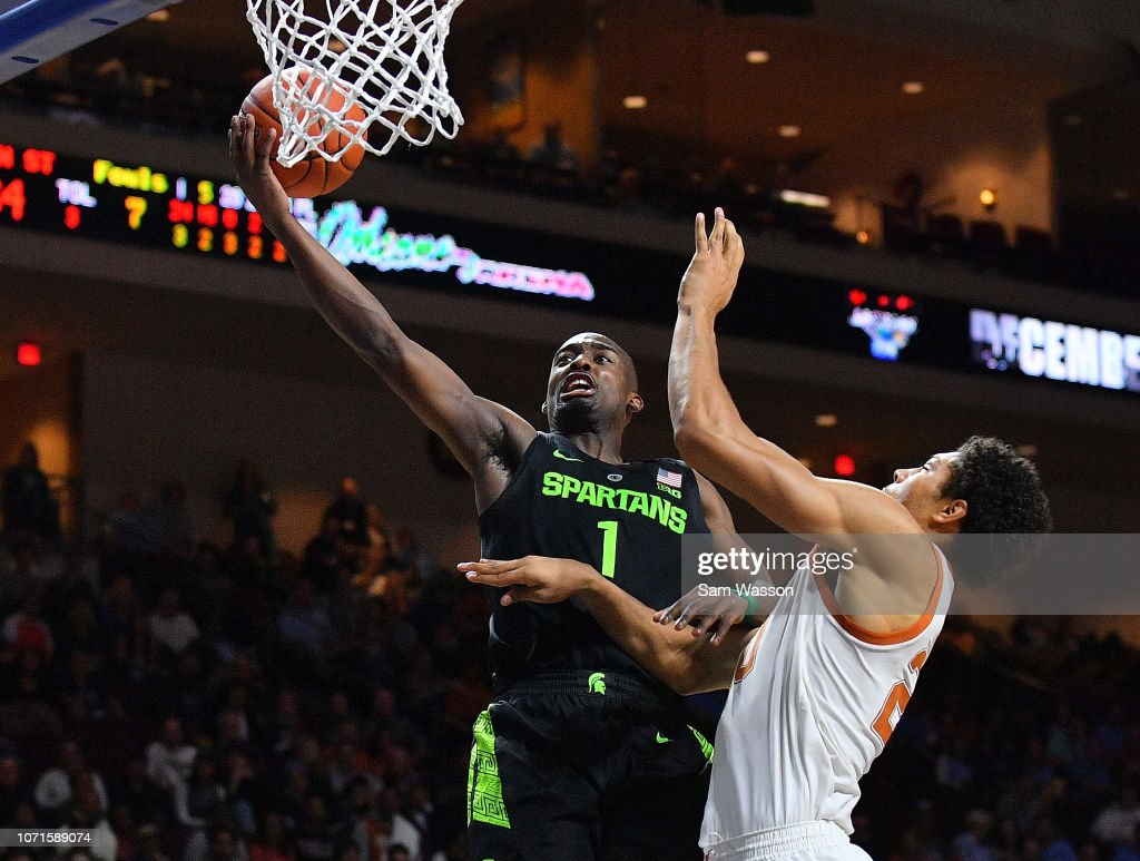 2018 Continental Tire Las Vegas Invitational - Michigan State v Texas : News Photo