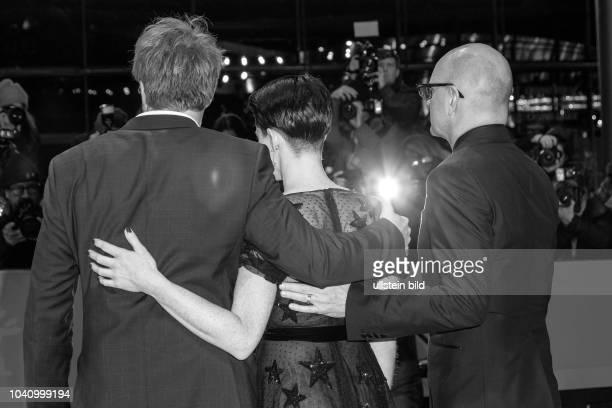 Joshua Leonard Claire Foy und Steven Soderbergh auf dem roten Teppich der Berlinale zur Premiere von Unsane am in Berlin
