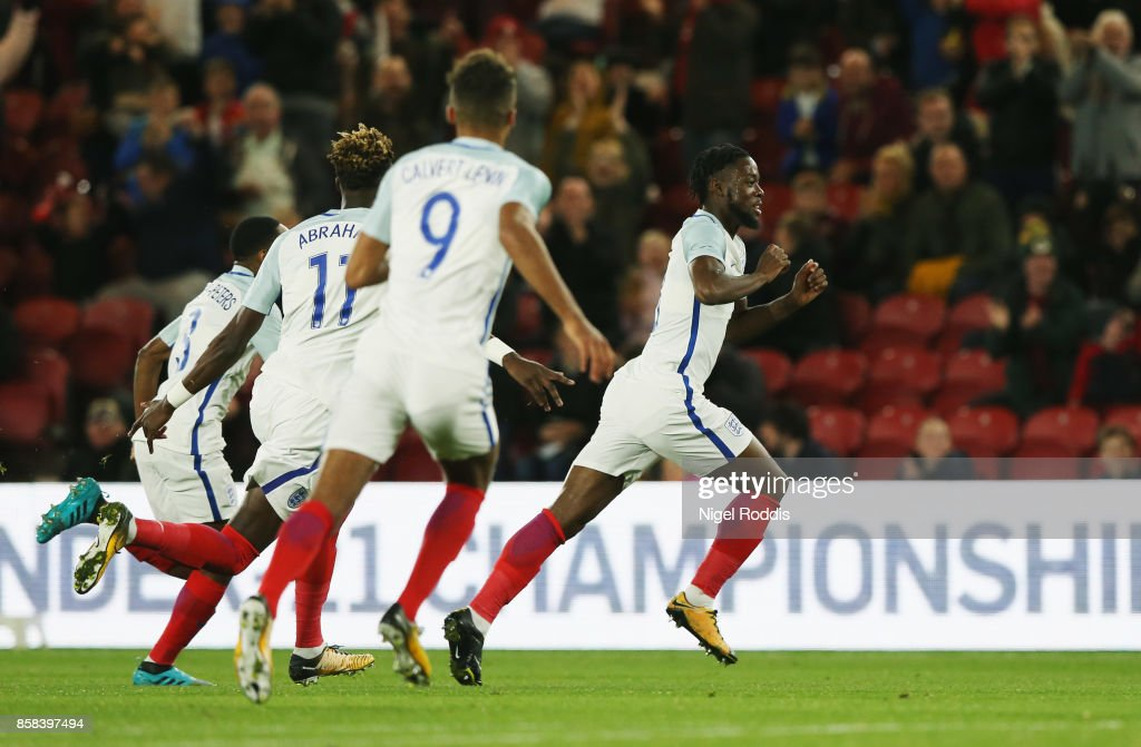 Joshua Onomah of England (R) celebrates as he scores their first goal with team mates during the UEFA European Under 21 Championship Group 4 Qualifier between England and Scotland at Riverside Stadium on October 6, 2017 in Middlesbrough, England.