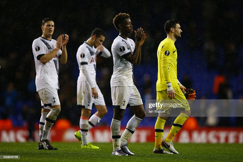 Joshua Onomah of Spurs and his teammates applaud the fans following their team's 4-1 victory during the UEFA Europa League Group J match between Tottenham Hotspur and AS Monaco at White Hart Lane on December 10, 2015 in London, United Kingdom.