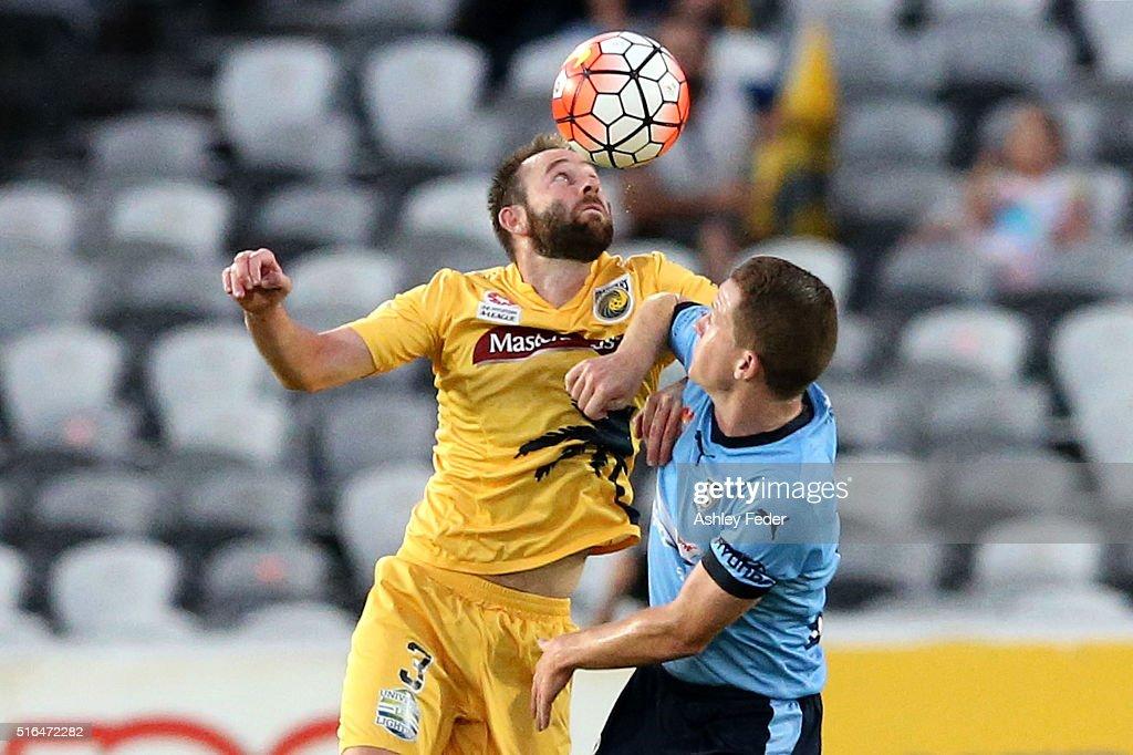 A-League Rd 24 - Central Coast v Sydney : News Photo