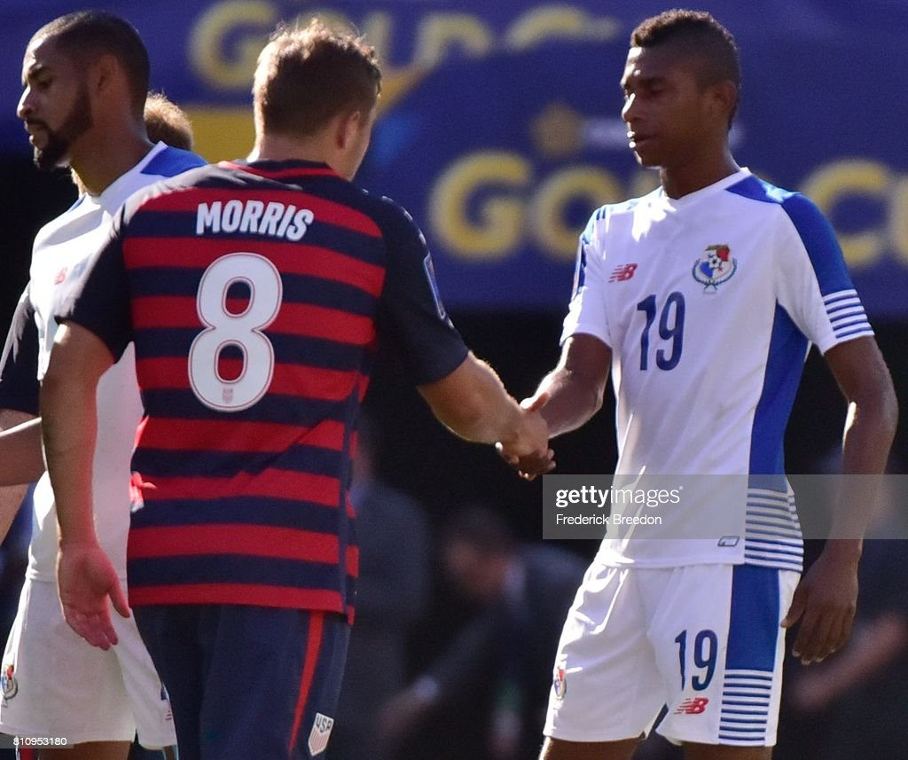 Josiel Nunez #19 of Panama shakes hands with Jordan Morris #8 of USA after a tie in a CONCACAF Gold Cup Soccer match at Nissan Stadium on July 8, 2017 in Nashville, Tennessee.