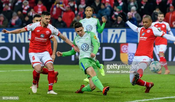 Josip Brekalo of Wolfsburg scores the first goal for his team during the Bundesliga match between 1 FSV Mainz 05 and VfL Wolfsburg at Opel Arena on...