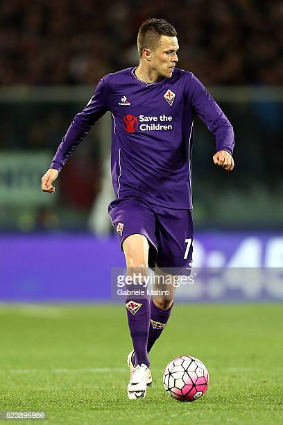 Josip Ilicic of ACF Fiorentina in action during the Serie A match between ACF Fiorentina and Juventus FC at Stadio Artemio Franchi on April 24 2016...