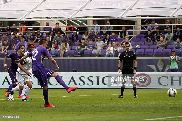 Josip Ilicic of ACF Fiorentina scores the opening goal during the Serie A match between ACF Fiorentina and AC Cesena at Stadio Artemio Franchi on May...