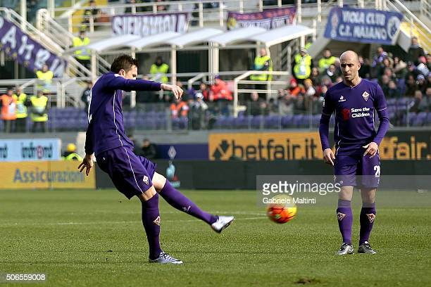 Josip Ilicic of ACF Fiorentina scores the opening goal during the Serie A match between ACF Fiorentina and Torino FC at Stadio Artemio Franchi on...