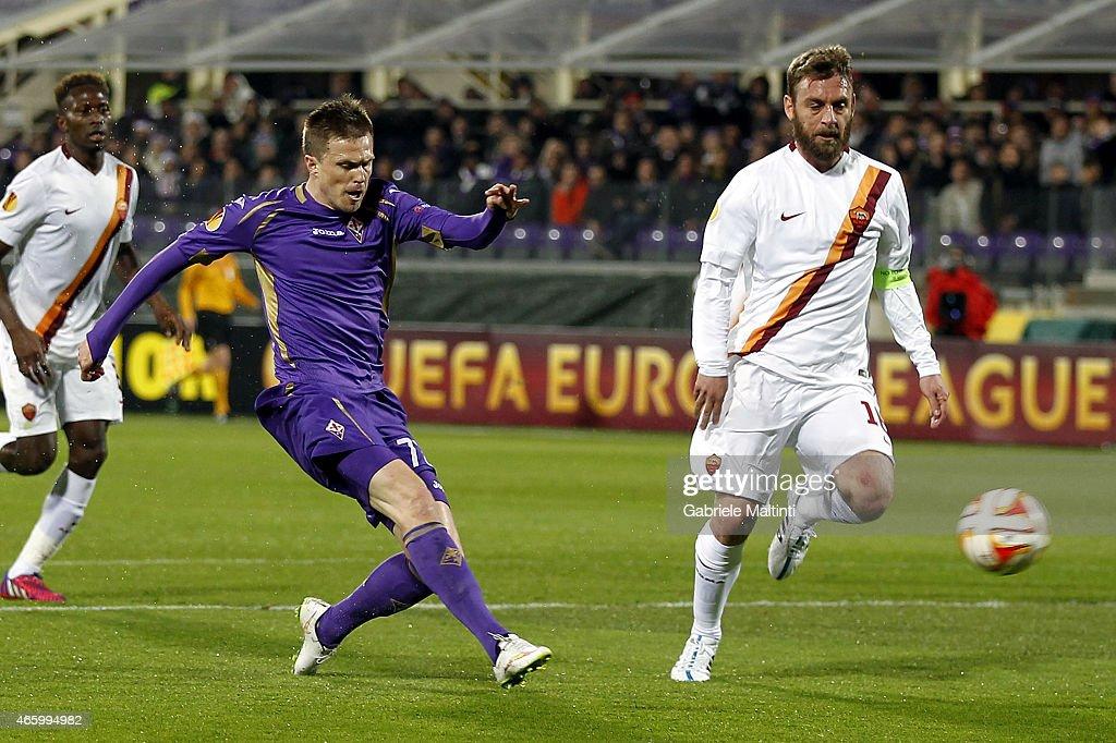 ACF Fiorentina v AS Roma - UEFA Europa League Round of 16 : News Photo