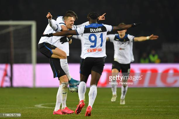 Josip Ilicic of Atalanta BC celebrates a goal with team mates during the Serie A match between Torino FC and Atalanta BC at Stadio Olimpico di Torino...