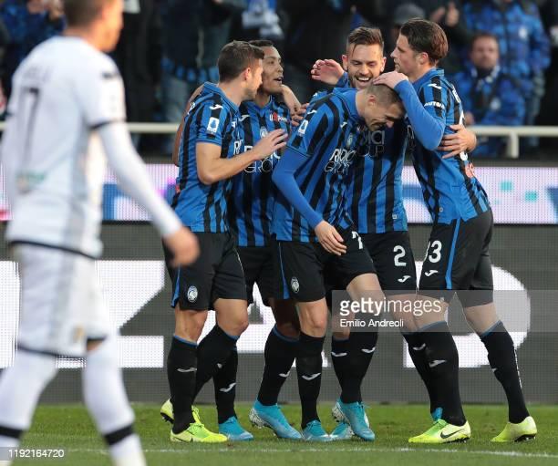 Josip Ilicic of Atalanta BC celebrates his first goal with his team-mates during the Serie A match between Atalanta BC and Parma Calcio at Gewiss...