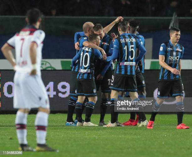 Josip Ilicic of Atalanta BC celebrates with his teammates after scoring the opening goal during the Serie A match between Atalanta BC and Bologna FC...