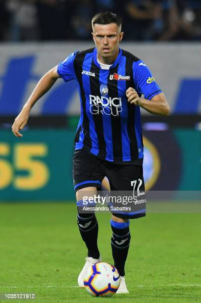 Josip Ilicic of Atalanta BC controls the ball during the serie A match between SPAL and Atalanta BC at Stadio Paolo Mazza on September 17 2018 in...