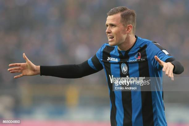 Josip Ilicic of Atalanta BC gestures during the Serie A match between Atalanta BC and Bologna FC at Stadio Atleti Azzurri d'Italia on October 22 2017...