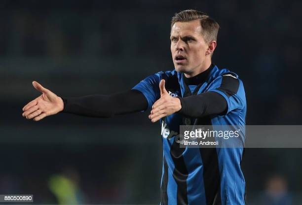 Josip Ilicic of Atalanta BC gestures during the Serie A match between Atalanta BC and Benevento Calcio at Stadio Atleti Azzurri d'Italia on November...