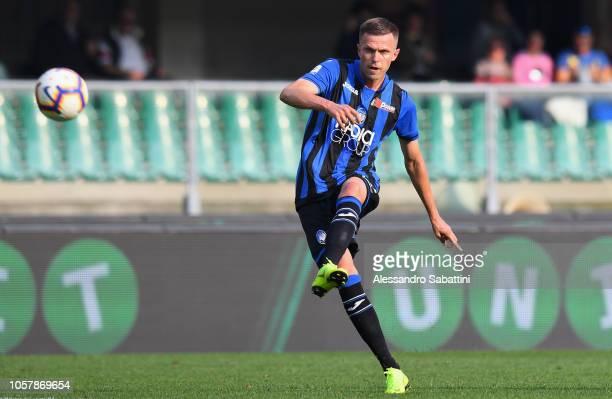 Josip Ilicic of Atalanta BC in action during the Serie A match between Chievo Verona and Atalanta BC at Stadio Marc'Antonio Bentegodi on October 21...