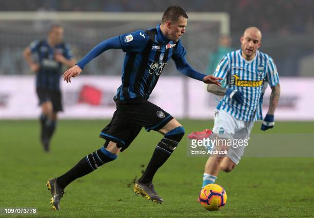 Josip Ilicic of Atalanta BC in action during the Serie A match between Atalanta BC and SPAL at Stadio Atleti Azzurri d'Italia on February 10, 2019 in...