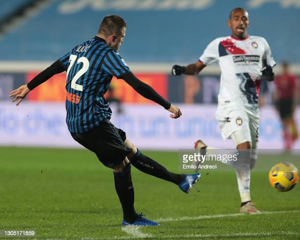 Josip Ilicic of Atalanta BC scores their team's fourth goal during the Serie A match between Atalanta BC and FC Crotone at Gewiss Stadium on March...