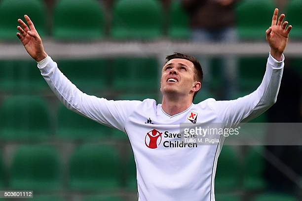 Josip Ilicic of Fiorentina reacts after scoring his team's second goal during the Serie A match between US Citta di Palermo and ACF Fiorentina at...