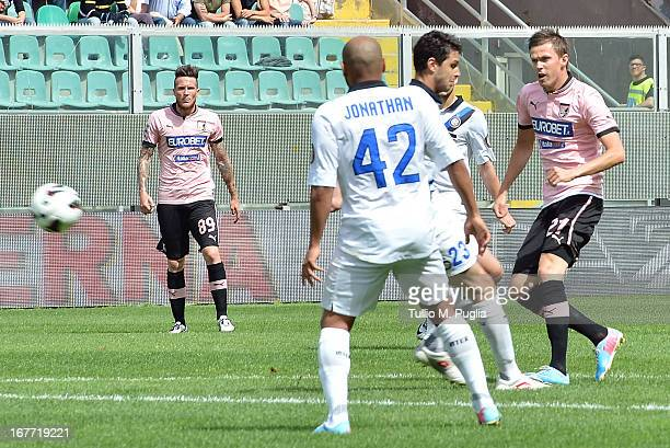 Josip Ilicic of Palermo scores the opening goal during the Serie A match between US Citta di Palermo and FC Internazionale Milano at Stadio Renzo...