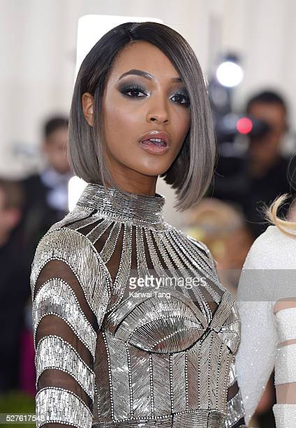 Jourdan Dunn arrives for the 'Manus x Machina Fashion In An Age Of Technology' Costume Institute Gala at Metropolitan Museum of Art on May 2 2016 in...