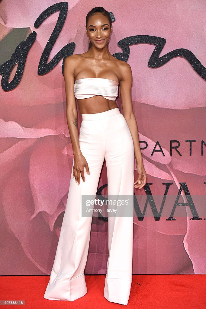 Jourdan Dunn attends The Fashion Awards 2016 on December 5, 2016 in London, United Kingdom.