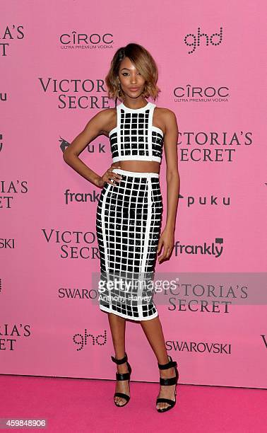 Jourdan Dunn attends the pink carpet of the 2014 Victoria's Secret Fashion Show on December 2 2014 in London England