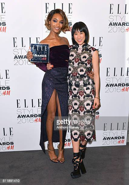 Jourdan Dunn poses with her award for Style Influencer of The Year with Eva Chen in the winners room at The Elle Style Awards 2016 on February 23,...