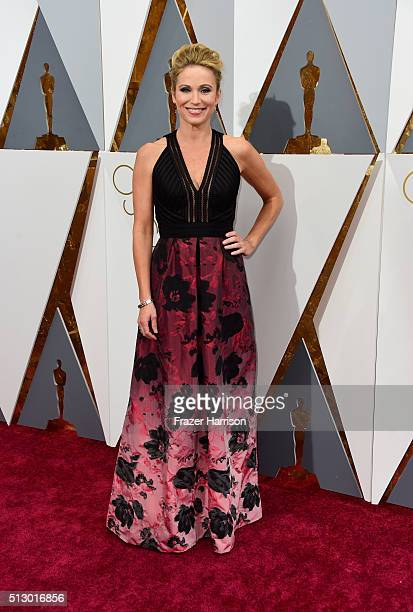 Journalist Amy Robach attends the 88th Annual Academy Awards at Hollywood & Highland Center on February 28, 2016 in Hollywood, California.