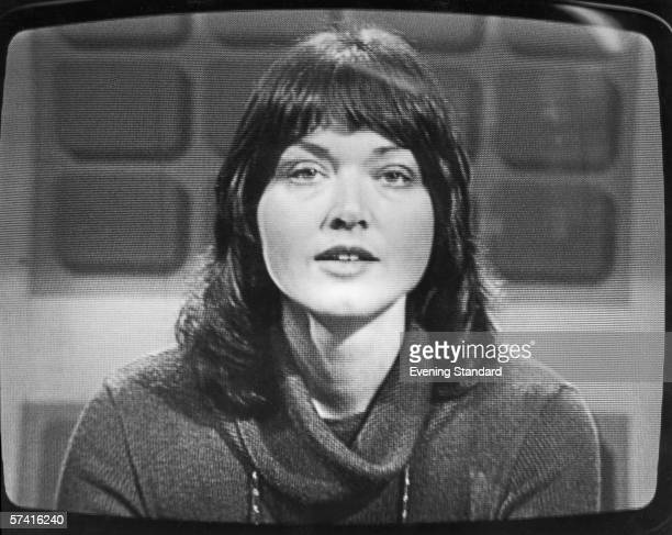 Journalist and broadcaster Anna Ford during her first broadcast reading the News At One bulletin on ITV, 9th March 1978.