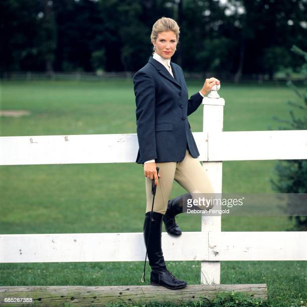 Journalist and talk show host Joan Lunden poses for a portrait in 1990 in New York