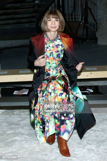Journalist Anna Wintour attends the Giambattista Valli show as part of the Paris Fashion Week Womenswear Fall/Winter 2018/2019 on March 5 2018 in...