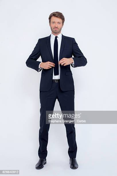 Journalist Antoine Genton poses during a photoshoot in Boulogne Billancourt on September 22 2016 in Boulogne Billancourt France