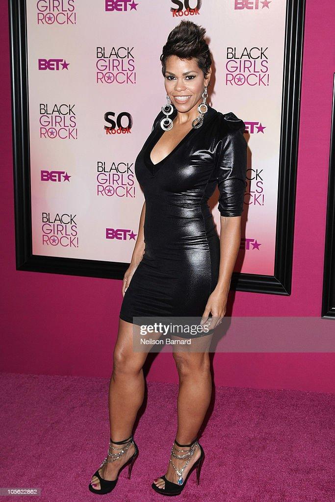 5th Annual Black Girls Rock! Awards - Arrivals : News Photo