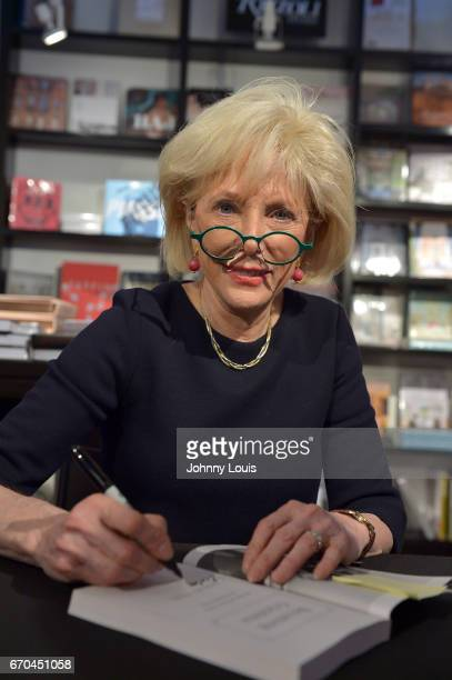 Journalist / author Lesley Stahl discussing and sign copies of her book 'Becoming Grandma The Joys and Science of the New Grandparenting' at Books...