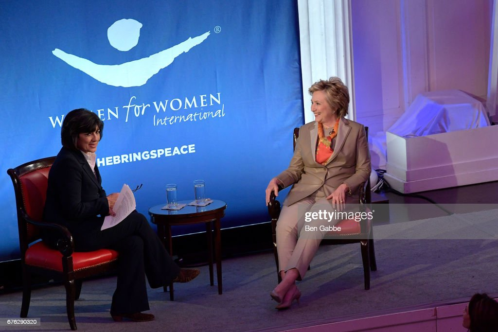 Hillary Clinton Addresses The Women For Women International's Luncheon : News Photo