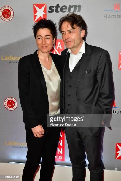 Journalist Dunja Hayali and Editorinchief 'DIE ZEIT' Giovanni di Lorenzo attend the Nannen Award 2017 on April 27 2017 in Hamburg Germany
