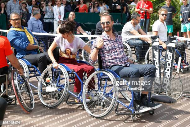 Journalist Erika Moulet and actor Arie Elmaleh attend the Race during the 'All in Wheelchair Day' as part ofthe 2017 French Tennis Open Day Eleven at...