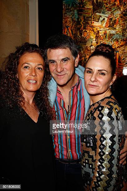 Journalist Francoise Smadja TV Presenter Tex and Anne Mondy attend 'Accords Croises' Anne Mondy's exhibition at Rue Bonaparte on December 17 2015 in...