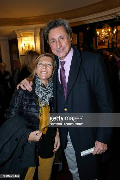 Journalist Patrick de Carolis and his wife CarolAnn attend the 'Ramses II' Theater Play at Theatre des Bouffes Parisiens on October 23 2017 in Paris...