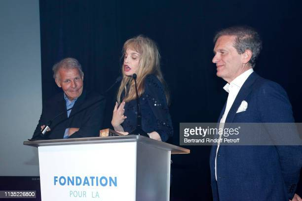 Journalist Patrick Poivre d'Arvor Arielle Dombasle Gold Stethos category Director and Doctor Frederic Saldmann attend the 'Stethos d'Or 2019' Charity...
