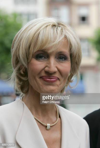 "Journalist Petra Gerster of German television company ""Zweites Deutsches Fernsehen"" arrives at a birthday festivity on June 2, 2005 in Frankfurt,..."
