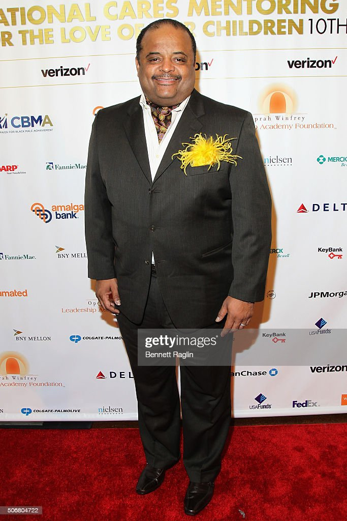 Journalist Roland Martin attends 'For the Love Of Our Children Gala' hosted by the National CARES Mentoring Movement on January 25, 2016 in New York City.