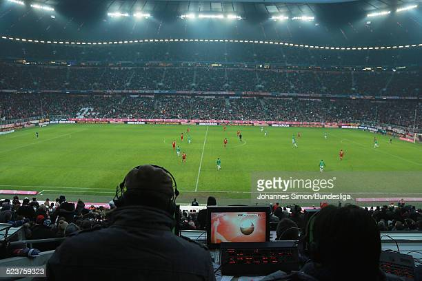 Journalisten sitzen auf der Pressetribuene beim Bundesligaspiel FC Bayern Muenchen gegen die SpVgg Greuther Fuerth am 19 Januar 2013 in der...