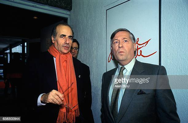 Journalists JeanPierre Elkabbach and Alain Duhamel before the TV show 'L'heure de vérité in Paris France on March 19 1995