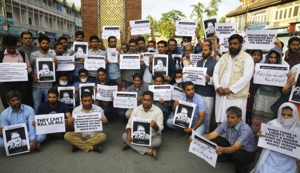 Journalists Protest Against The Murder Of Rising Kashmir ...